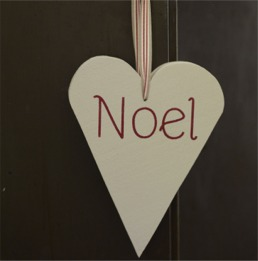 Noel Hearts - Painted